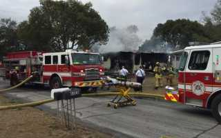 Explosions reported during mobile home fire in Hernando County